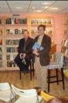 stewart-onan-visiting-bookstore-in-the-netherla_img_0