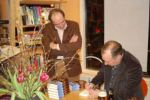 stewart-onan-visiting-bookstore-in-the-netherla_img_12