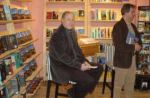 stewart-onan-visiting-bookstore-in-the-netherla_img_2