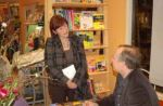 stewart-onan-visiting-bookstore-in-the-netherla_img_22